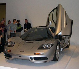 It's not a classic #f1 car but #no9 – McLaren F1