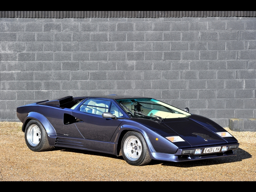 It S Not A Classic F1 Car But No12 Lamborghini Countach Retro