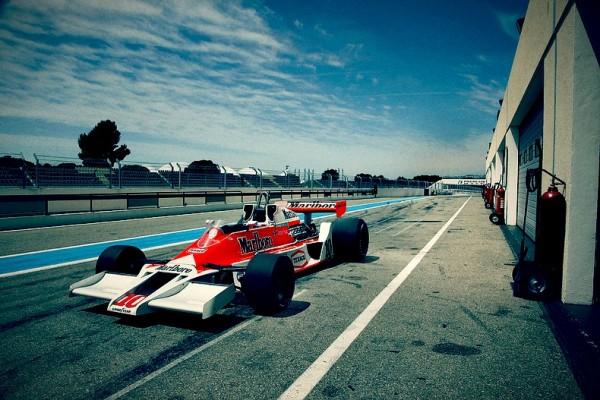 F1 Car - 1977 McLaren m26